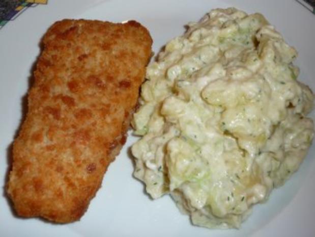 Backfisch mit Kartoffel-Gurke-Salat - Rezept - Bild Nr. 3