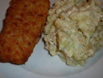 Backfisch mit Kartoffel-Gurke-Salat - Rezept