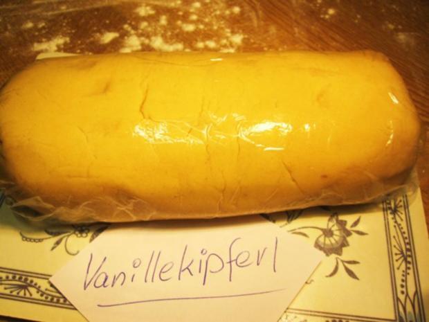 Vanillekipferl ... etwa 80 Stück - Rezept - Bild Nr. 3