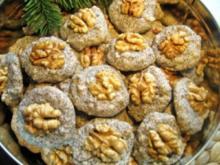 Mohn-Makrönchen =   Eiweiß-Verwertung von der feinsten Art ... - Rezept