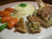 Maispoulardenbrust unter der Haut gefüllt an Kartoffelmousseline, tournierten Karotten und Frühlingslauch - Rezept