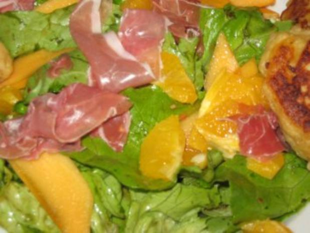Geditschte-Gedatschte mit Salat & Früchten - Rezept - Bild Nr. 3