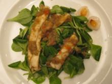 Feldsalat mit Litschis und Kalmar unter süßer Chilisoße - Rezept