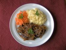 Geflügelleber mit Schmorzwiebeln - Rezept