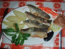 Felchenfilets nach Müllerinart mit Salzkartoffeln und Nüsslisalat (Feldsalat) - Rezept