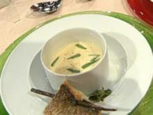 Cremesuppe von Kohlrabi mit Loup de Mer a la Buchholz - Rezept