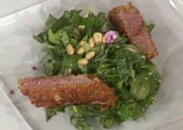 Straußenfilet mit Geraniensalat und Pinienkernen (Anastasia Zampounidis) - Rezept