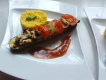 Zucchiniboot an Currycurcumareis - Rezept