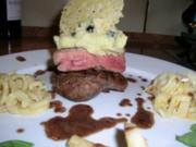 Rinderfilet mit Olivencreme und Parmesantaler - HAUPTGERICHT - unser Essen zum 1. Advent - Rezept