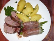 Gegrillte Lammkeule mit Serranoschinkenböhnchen - Rezept