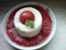 Walnuss-Chili-Griespudding auf Erdbeerspiegel - Rezept