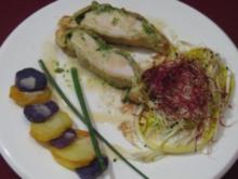 Getrüffelte Bresse-Poularde in Mokkaduft mit Mesclun-Salat und violetten Kartoffeln - Rezept