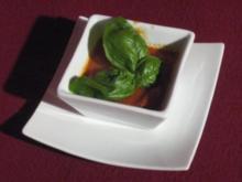 Ingwer-Tomatensuppe mit Hühnchenkeulen - Rezept