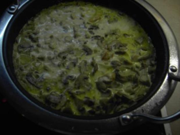 Fleisch - Hähnchengeschnetzeltes mit Pilzen - Rezept - Bild Nr. 3