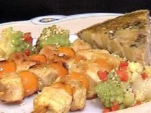 Spieße von marinierter Perlhuhnbrust mit Steinpilz-Tortilla - Rezept