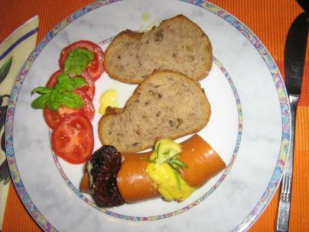 Gebackene Fleischwurst gefüllt - Rezept