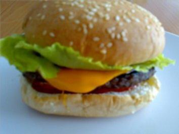 ** Snacks & Quickies ** Cheeseburger - - Rezept