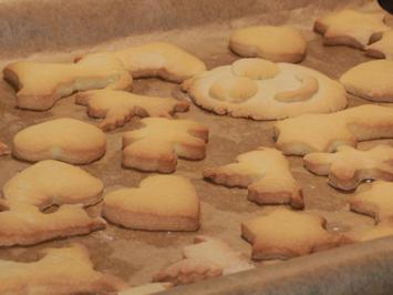 Weihnachtsbäckerei - Klassische Butterplätzchen - Rezept - Bild Nr. 2