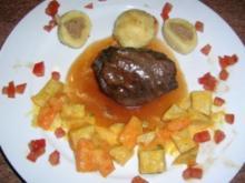 Ochsenbäckchen in Barolo geschmort mit Gänseleber-Kartoffelknödel und Sellerieragout Essen zum 2. Advent HAUPTGERICHT - Rezept