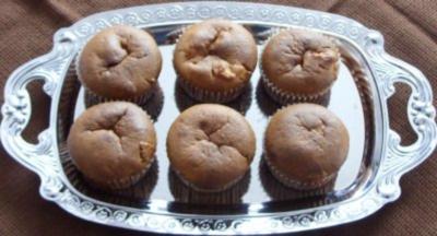 Kleingebäck - Apfelmus-Muffins mit Apfelstückchen - Rezept