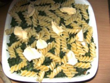 Aufläufe/ Überbackenes: Nudel-Spinat-Lachs-Auflauf - Rezept