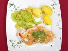 Gespickter Ostsee-Dorsch auf Apfel-Gurken-Gemüse und neuen Kartoffeln - Rezept