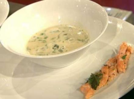 Limettenblättersuppe mit einem Zopf vom Lachs (Gerit Kling) - Rezept