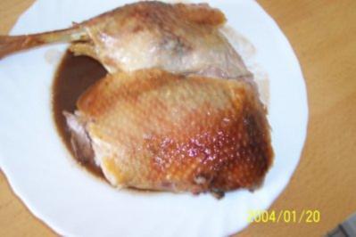 Gänsebraten auf Rotweinsoße - Rezept