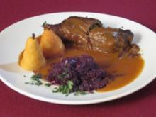Rouladen mit Rotkohl und Pommes Williams - Rezept