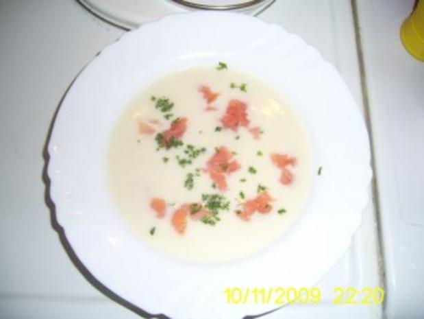Spargelcremesuppe mit Räucherlachs - Rezept