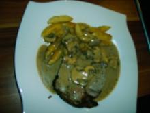 Kalbsrollbraten mit Champignon-Kräutersauce - Rezept