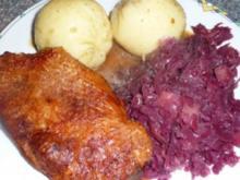 Ente kross mit Rotkohl und Klöße - Rezept