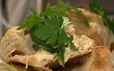 Schweinefilet in Blätterteig an Wirsingpäckchen mit Sauce Choron - Rezept