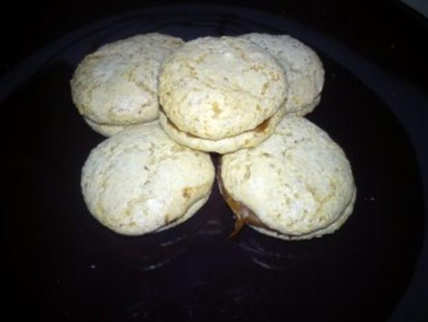 Mandelmakronen mit Nougat - Rezept