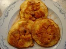 Pfannküchlein mit Äpfeln, Zucker und Zimt... die Menge reicht für 8 kl. Küchlein - Rezept