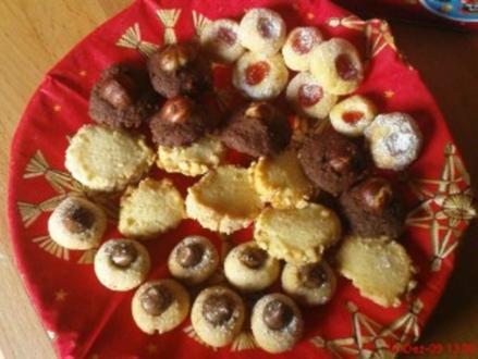 PLÄTZCHEN: Weiche Marmeladenkleckskekse - Rezept