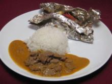 Curryrind in süßer Erdnuss-Soße trifft gebackenen Fisch in Ingwer-Austernsoße - Rezept