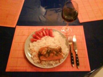 Fisch: Hering mit Ananas-Curry-Soße auf Thaireis - Rezept