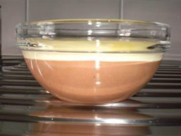 Dessert: Mousse au chocolat weiss & schwarz an Baileys - Rezept