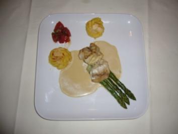 Seeteufel mit Grilltomate, Kartoffelrosetten und Dijonsoße - Rezept
