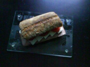 Frühstück: Walnussciabatta mit Burgunderschinken - Rezept