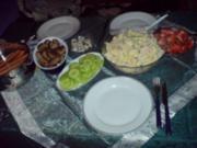 Heiligaben traditionell mit Kartoffelsalat und Würstchen - Rezept
