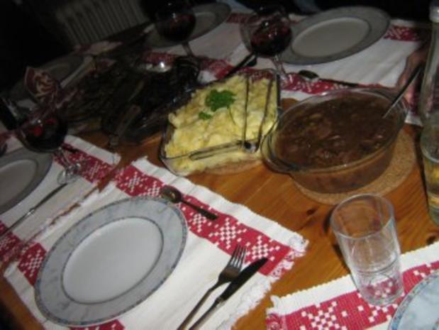 Zweierlei Filet mit Speckbohnenpäckchen an Bandnudeln mit Rotwein-Orangen-Pilzsoße - Rezept - Bild Nr. 4