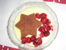 Sternenmousse mit Vanillesauce und Himbeeren - Rezept