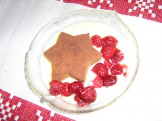 Sternenmousse mit Vanillesauce und Himbeeren - Rezept - Bild Nr. 2