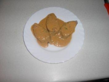 Schweinelende gefüllt mit Zwiebel - Sahne - Sauce - Rezept
