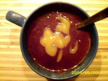 Dessert: Fruchtig-schwipsige Schokosuppe - Rezept