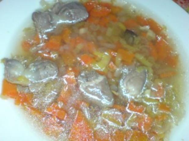 Geflügel-Gemüse-Brühe mit den Innereien der Pute - Rezept