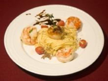 Makarony z krewetkami i zabkowany - Nudeln mit Shrimps und Jakobsmuscheln (Magdalena Brzeska) - Rezept