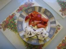 Stracciatelle - Joghurt - Bällchen mit Erdbeeren - Rezept